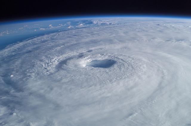 台風のなぜ?時期や進路、仕組みをわかりやすく解説!