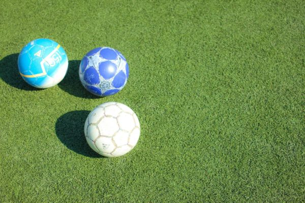 【小学生サッカーボール】サイズや選び方のポイントはこれ!