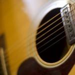 【マーチンとギブソンの違い】アコースティック・ギター生涯の1本を!
