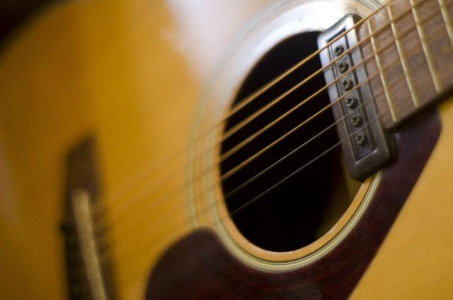 アコースティックギターの弦選び!おすすめはどれ?